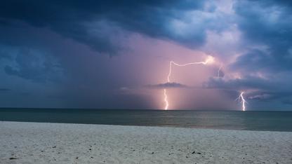 Danger sur les plages : fortes pluies, tempête et orages